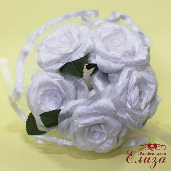 Сватбен букет за хвърляне от сатенени рози A1